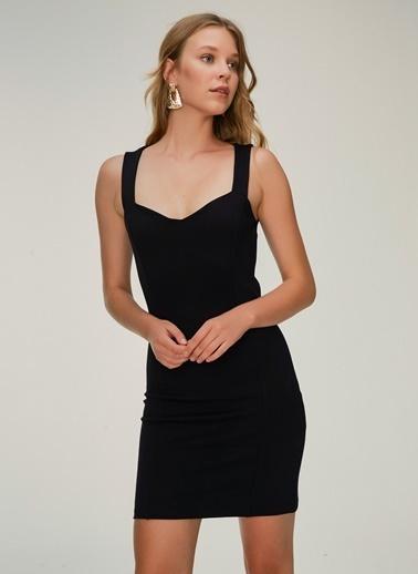 NGSTYLE Sırt Dekolteli Elbise Siyah